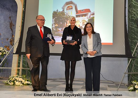 Emel Aliberti Evi (Küçükyalı) Mimari Müellifi : Tamer Pakben